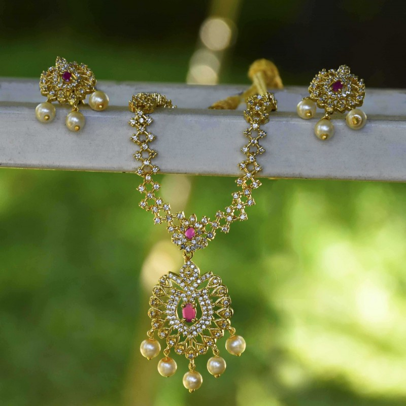 2425055414c Buy Splendid Ruby and AD Stone Necklace Set Online