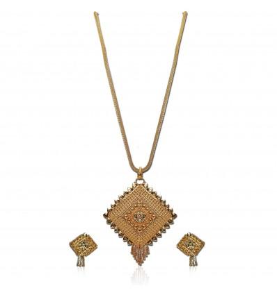 Gold plated Designer Diamond cut Pendant set